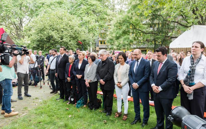 AWO Denkmal für Marie Juchacz feierlich enthüllt