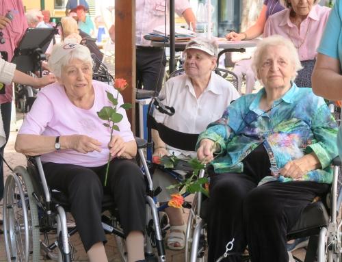 Sommerfest mit Kinderspiel und Musik, AWO Seniorenzentrum Neuwied feiert den Sommer 2018