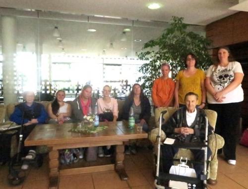 Inklusives Projekt mit Charme: Lebenshilfe besucht Lotte Lemke Haus