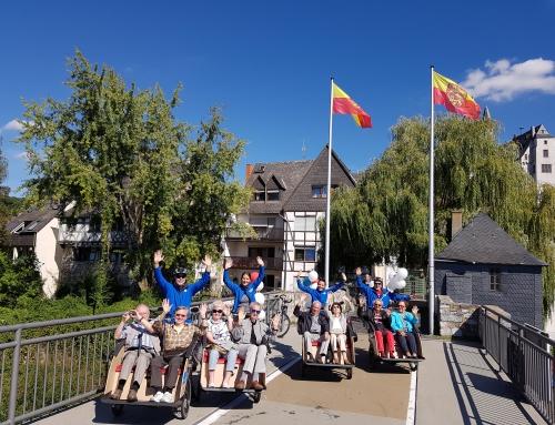 Das Recht Wind in den Haaren zu spüren: Senioren der AWO Residenz Oranienstein erlebten eine Rikshafahrt