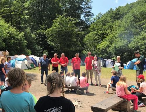 Ministerin Höfken besuchte Kinderzeltlager Stierwiese