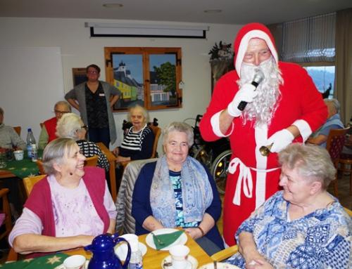 Nikolausbrauch bescherte den Senioren des AWO Seniorenzentrums Am Hain einen seligen Nachmittag.