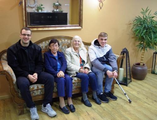 Freiwilliges Engagement: Die Polizeianwärter der Bundespolizeiausbildungsstätte Diez zu Besuch im AWO Seniorenzentrum Am Hain