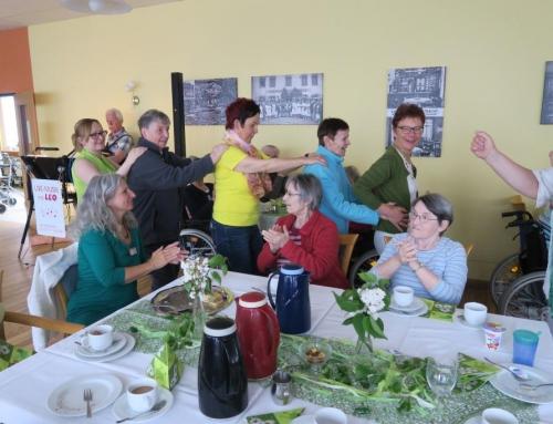 AWO Seniorenzentrum Kannenbäckerland – Rundum gelungenes Maifest