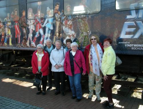 Besuch der AWO Irlich bei den Rollschuhakrobaten beim Starlight Express