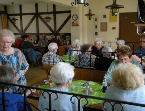 Spargelessen im Seniorentreff
