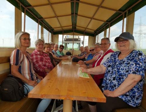 Singender Planwagen der AWO Wendelsheim