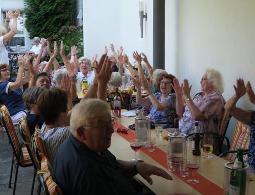Spontanes Grillfest in der AWO Seniorenresidenz Alte Glaserei in Neuwied