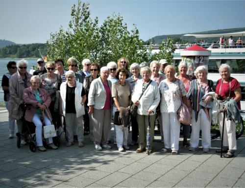 Eine Rheinfahrt die ist lustig