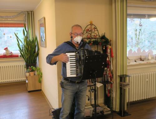SZ Vierwindenhöhe Bendorf: Weihnachtsmusik mit Klaus Weber