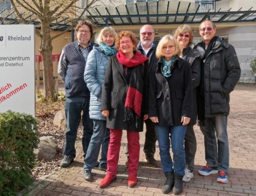 Ehrenamtliche unterstützen als Schleusendienst das Seniorenzentrum Mainz-Gonsenheim